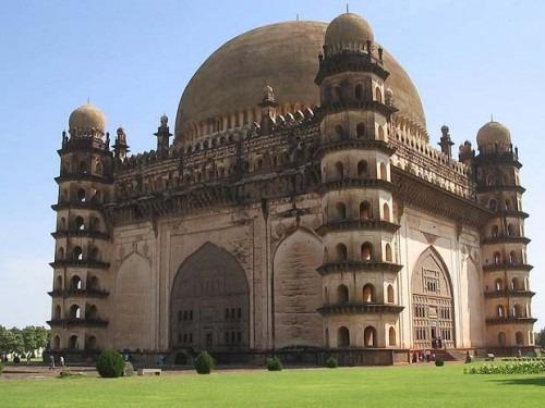 Deccan Style Architecture Gol Gumbaz